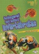 Jennifer Boothroyd - Endangered and Extinct Invertebrates (Lightning Bolt Books - Animals in Danger) - 9781467723718 - V9781467723718