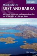 Townsend, Mike - Walking on Uist and Barra. Mike Townsend - 9781852846602 - V9781852846602