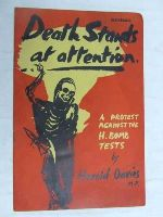 Davies, Harold - Death stands at attention -  - KEX0267447