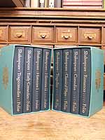 Shakespeare, William (edited by Stanley Wells and Gary Taylor) - William Shakespeare The Complete Plays, in 8 volumes [Tragedies, Comedies, Classical Plays, Romances, Tragicomedies, Early Comedies, Histories I, Histories II] -  - KEX0306117