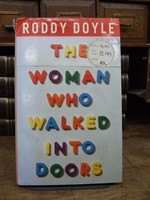 Roddy Doyle - The Woman Who Walked into Doors - 000000037419 - KTK0094533